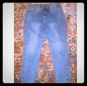 Boyfriend jeans with grommets size 4-preowned